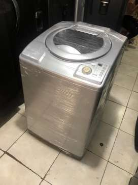 Lavadora 32 libras, haceb, tiene detallito estoico, incluye transporte a Medellín
