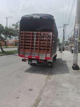 Ganga hino camion doblecabina en excelente estado