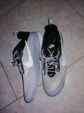 Tenis Nike talla 42