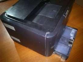Vendo impresora samsung clp 315 mas 8 cartuchos. No permuto