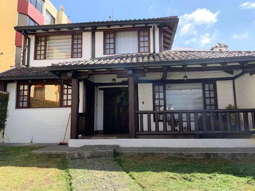 Casa estilo rustico dentro de Conjunto 0