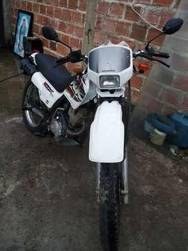 Vendo honda XLR 125