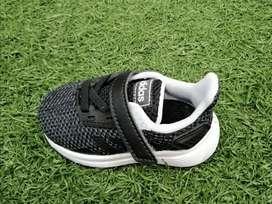 Tennis Adidas 01