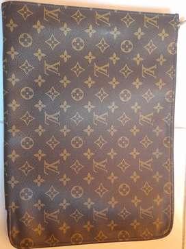 FUNDA ETUI VOYAGE MM  Louis Vuitton