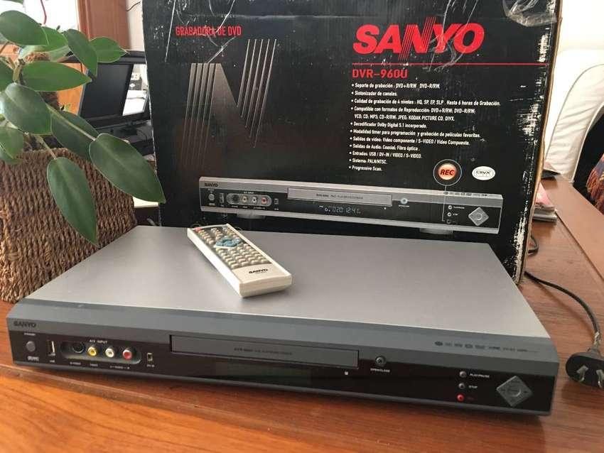 Grabador y Reproductor de DVD SANYO - DVR-960U 0