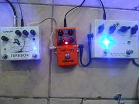 Pedales (overdrive, Reverb, delay)