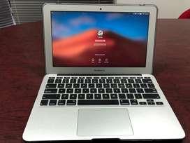 """Macbook 11"""" Core I7 / 8Ram"""