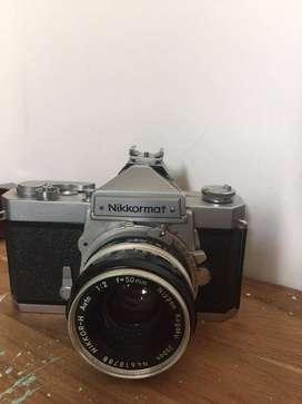 Cámara Análoga Nikkormat Ft + Lente NIKKOR-H Auto 1:2 f=50mm Nippon Kogaku + Forro ORIGINAL 1977