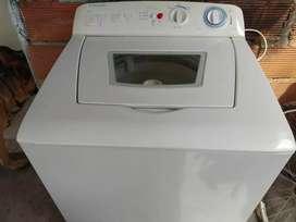 Lavadora Electrolux 30 libras