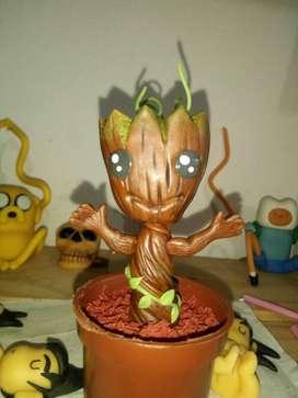 Figura Bebe Groot en Porcelana Fria