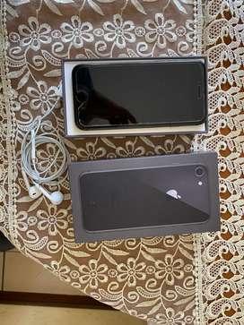Vendo iphone 8 con caja y cargador