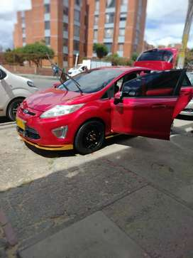 Vendo o permuto expectacular ford fiesta 2011