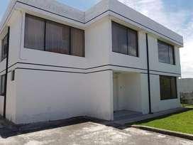Casa de Venta Sector Pinar Alto.