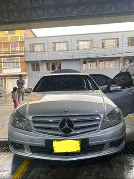 Espectacular Mercedes benz c180