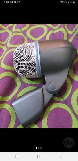 Beta Microfono Bombo o cambio con algo