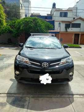 Vendo Toyota RAV4 año 2014.