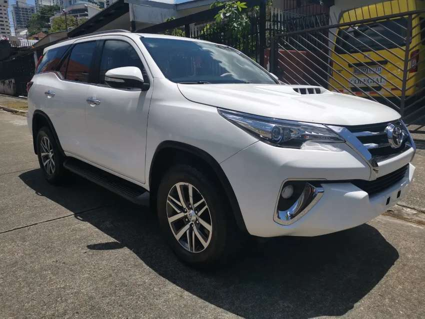 Toyota Fortuner 2017 automática 4x4 0