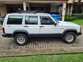 1989 Jeep Cherokee Limited *excellent condition*