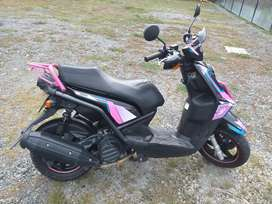 Se vende bws 125 color negro modelo 2012