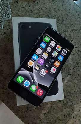 Vendo iphone 7 de 32gb libre de icloud para todo operador completamente funcional batería en 83% buen estado todo