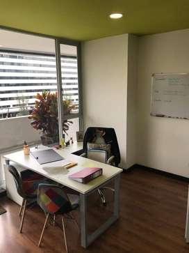 Naciones Unidas y Amazonas Rento Oficina Amoblada de Lujo, Linda Vista