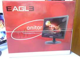 monitores  /   pantallas.