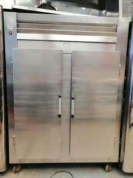 Refrijeracion  puerta cerrada en acero