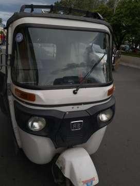 Se vende moto carro en Cartago.