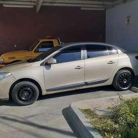 Renault FLUENCE 1.6 16V confort  2011 sedan 4 puertas