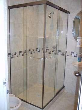 Cabinas para baño, Cocinas, closets, puertas, ventanas y más.