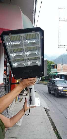 LAMPARAS Y REFLECTORES SOLARES