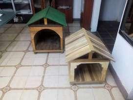 Casitas grandes y pequeñas  para perros