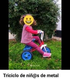 Triciclo metálico para niños