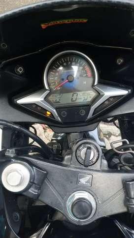 Vendo moto en bue estado tanto mecánica como fisico