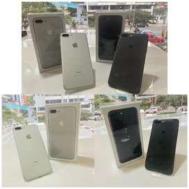iPhone 7 plus 128 GB en color negro y blanco