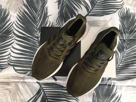 Zapatos adidas y reebok originales talla 7US