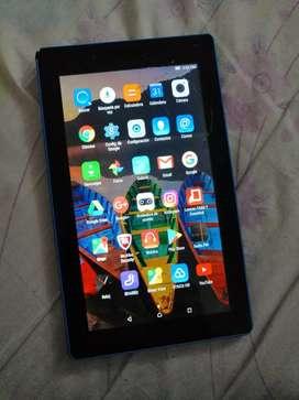 Vendo o cambio Tablet Lenovo tiene el táctil fisurado no afecta