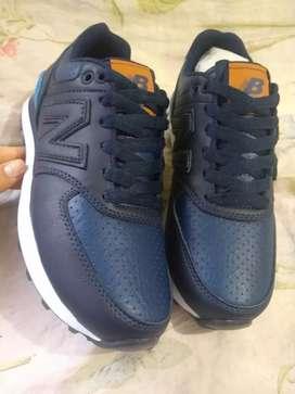 Zapatos deportivos NB