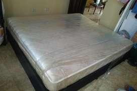 se vende cama y base 160/190 grande como nueva