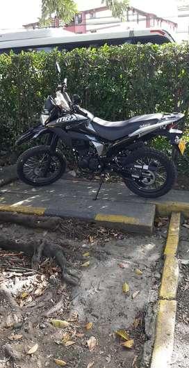 moto nueva con dos meses de uso