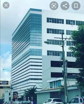 Venta de Consultorio en la Torre Médica XIMA  en la calle Francisco Boloña de la Kennedy atrás del Policentro