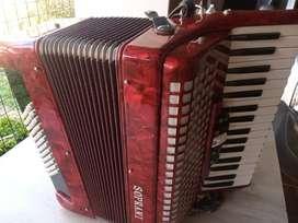Vendo acordeon a piano Soprani