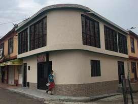 Casa de 2 pisos totalmente terminada, con dos locales y segundo piso independiente