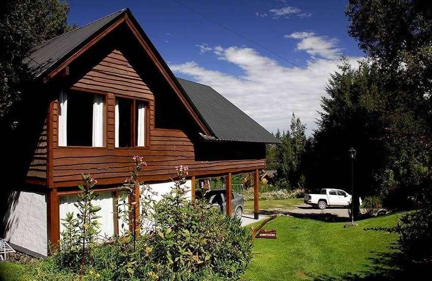 yc60 - Cabaña para 2 a 7 personas con cochera en Villa La Angostura 0