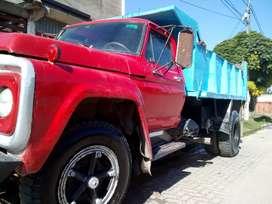 Urgente vendo camión Ford 7000