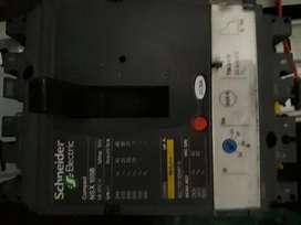 interruptor schneider compact 32 A