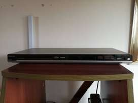 DVD player PHILIPS (multiformato+cables+control)