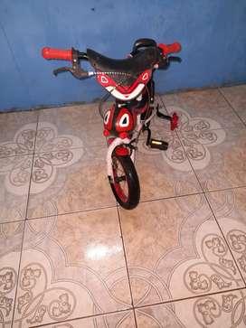 Bicicleta  para niño d 3 a 4 años