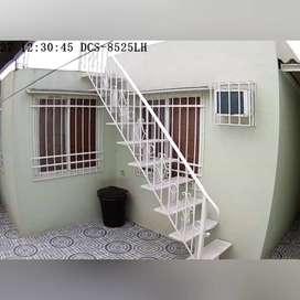 Vendo escalera.1año de construida