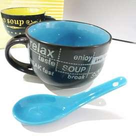 Mug para sopa con cuchara de porcelana